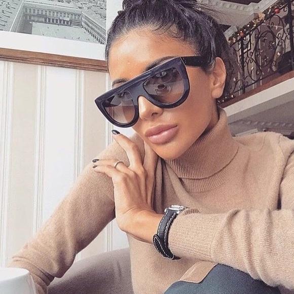10a3ad7272 NEW    Céline Andrea Flat Top Sunglasses